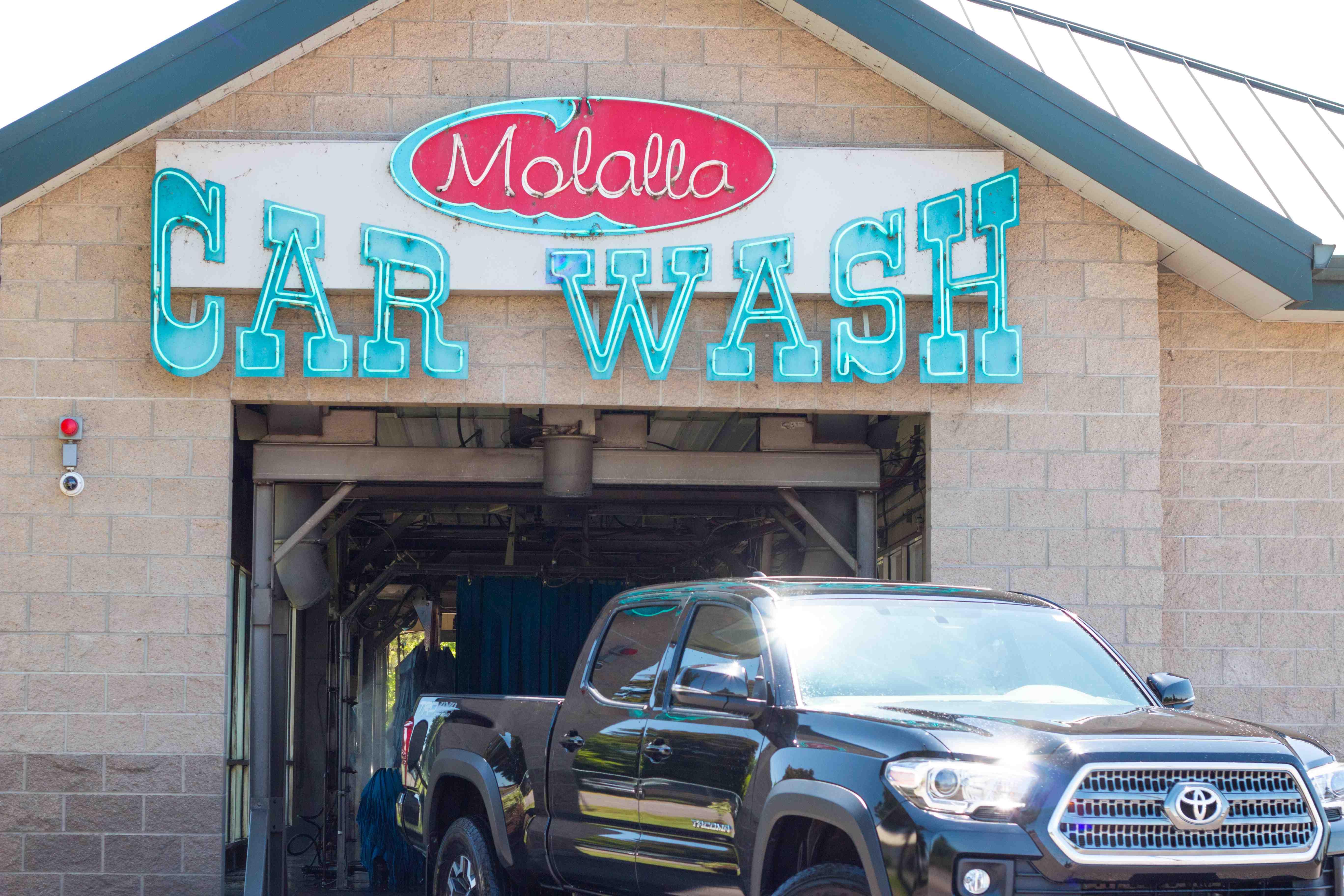 Molalla Car Wash Sign